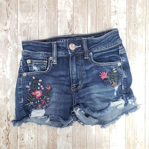 flower embroidered american eagle shorts size 00